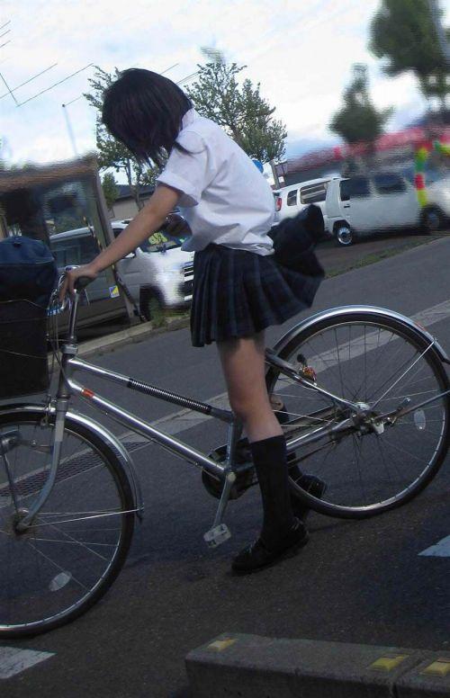 【盗撮】JKのパンモロやパンチラが簡単に見られる自転車通学画像 41枚 No.32