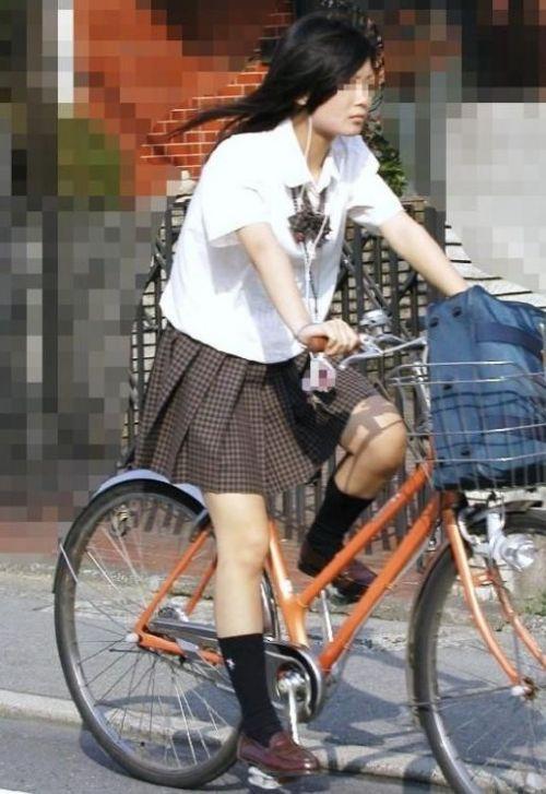 【盗撮】JKのパンモロやパンチラが簡単に見られる自転車通学画像 41枚 No.37