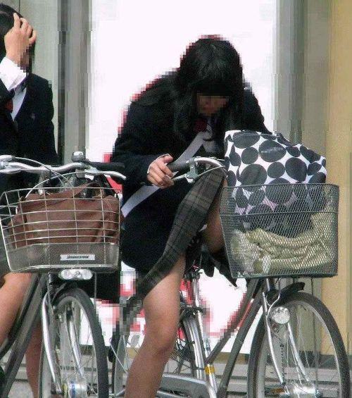 【盗撮】JKのパンモロやパンチラが簡単に見られる自転車通学画像 41枚 No.38