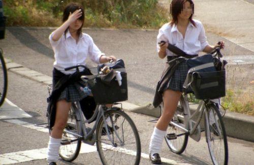 【盗撮】JKのパンモロやパンチラが簡単に見られる自転車通学画像 41枚 No.40