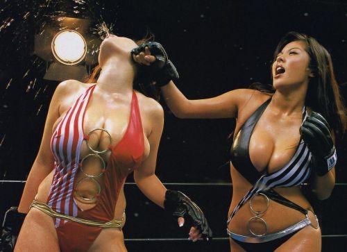 全裸、ニップレス外人女子が全力で戦うキャットファイトのエロ画像 38枚 No.13
