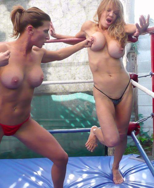全裸、ニップレス外人女子が全力で戦うキャットファイトのエロ画像 38枚 No.33