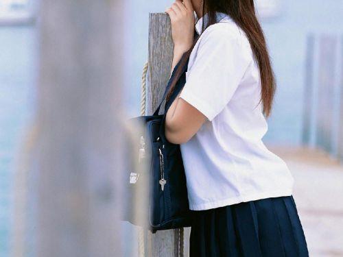 【画像】制服もやっぱり可愛い子が着てるほうが可愛く見えちゃうよね 36枚 No.24