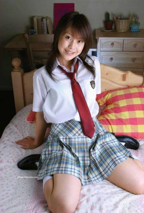 【画像】制服もやっぱり可愛い子が着てるほうが可愛く見えちゃうよね 36枚 No.31