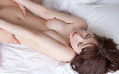 美女のエロい腰をしっかり掴んでる正常位セックス画像まとめ 38枚 No.12