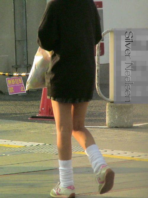 【盗撮画像】素足がスベスベでフレッシュなJKのナマ足エロ過ぎだわwww No.33