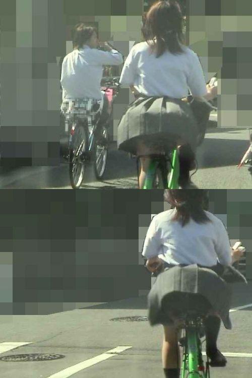 【盗撮】朝一からパンチラしちゃうJKの自転車通学エロ画像 38枚 No.29