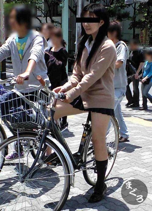 【盗撮】朝一からパンチラしちゃうJKの自転車通学エロ画像 38枚 No.31