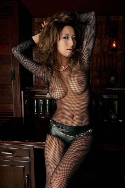 【エロ画像】小麦色の肌に茶髪の黒ギャルが性欲全開で誘惑してくるんだが・・・ 40枚 No.16