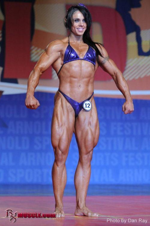 筋肉質の外国人の割れている腹筋がエロく感じるやつちょっと来い 33枚 No.9