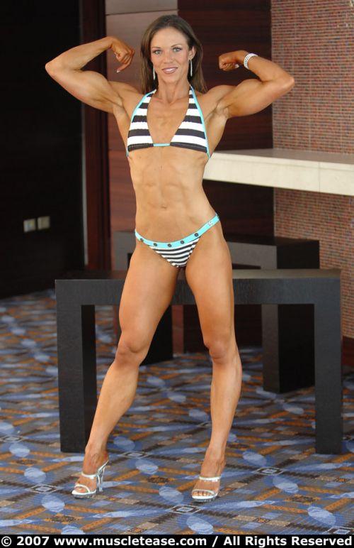 筋肉質の外国人の割れている腹筋がエロく感じるやつちょっと来い 33枚 No.32