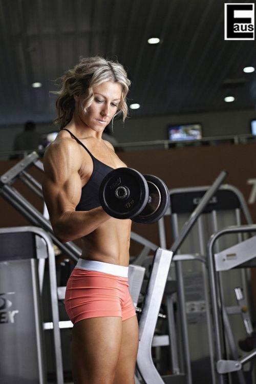 筋肉質の外国人の割れている腹筋がエロく感じるやつちょっと来い 33枚 No.33