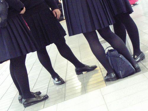 【盗撮】黒タイツを履いたミニスカ女子高生画像まとめ 36枚 No.11