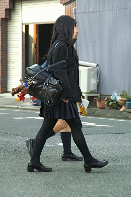【盗撮】黒タイツを履いたミニスカ女子高生画像まとめ 36枚 No.18