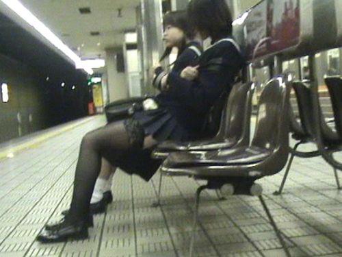 【盗撮】黒タイツを履いたミニスカ女子高生画像まとめ 36枚 No.20