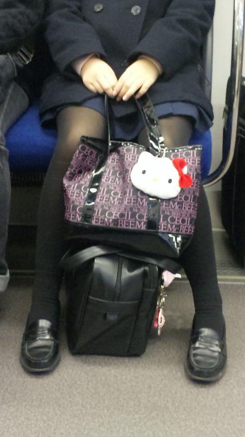 【盗撮】黒タイツを履いたミニスカ女子高生画像まとめ 36枚 No.23