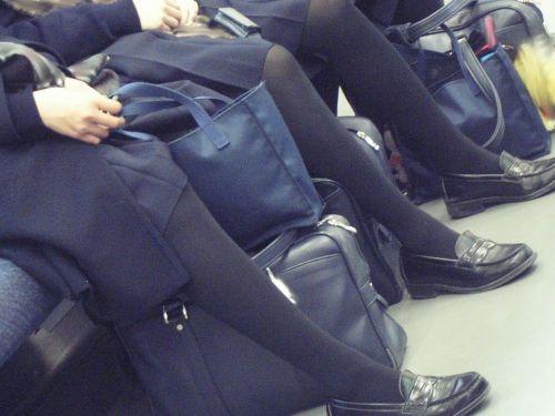 【盗撮】黒タイツを履いたミニスカ女子高生画像まとめ 36枚 No.26