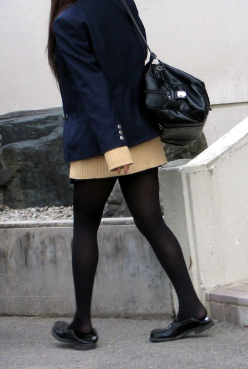 【盗撮】黒タイツを履いたミニスカ女子高生画像まとめ 36枚 No.34