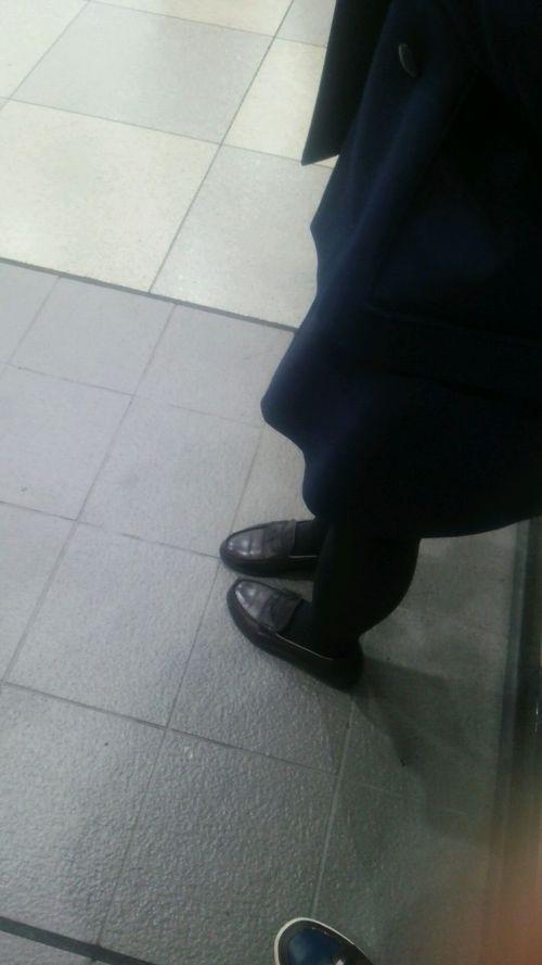 【盗撮】黒タイツを履いたミニスカ女子高生画像まとめ 36枚 No.35