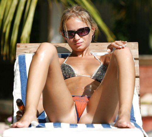 ビーチでマンスジ出ちゃってる水着姿の女の子の盗撮画像 39枚 No.32