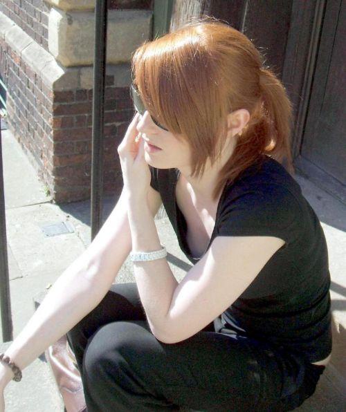 女の子の無防備な胸チラを盗撮したエロ画像 35枚 No.9