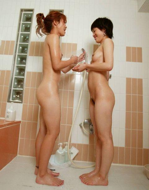 巨乳と美尻を愛撫するレズビアン達がハッスルし過ぎなエロ画像 40枚 No.33