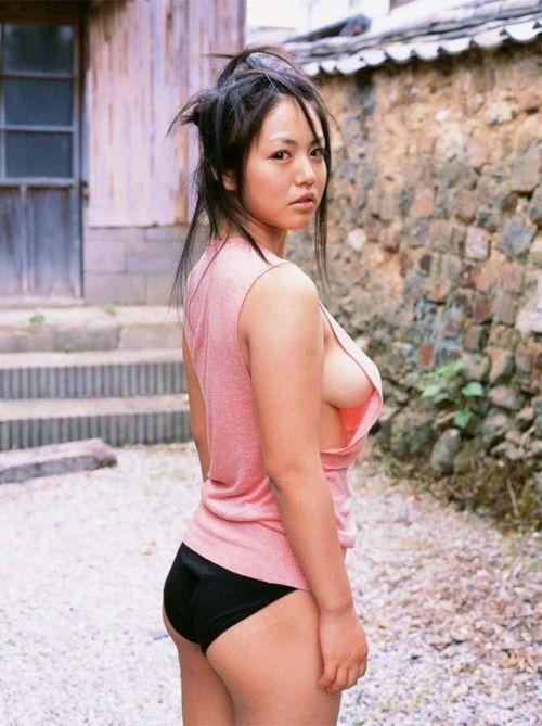 【エロ画像】巨乳美人の横乳や乳首が見たい奴ちょっとこい! 27枚 No.6