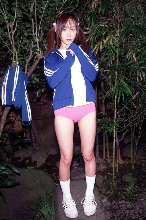 【JK画像】お尻と股間に注目を集めちゃうブルマってやっぱエロイよな! 39枚 No.11