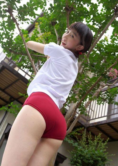【JK画像】お尻と股間に注目を集めちゃうブルマってやっぱエロイよな! 39枚 No.15