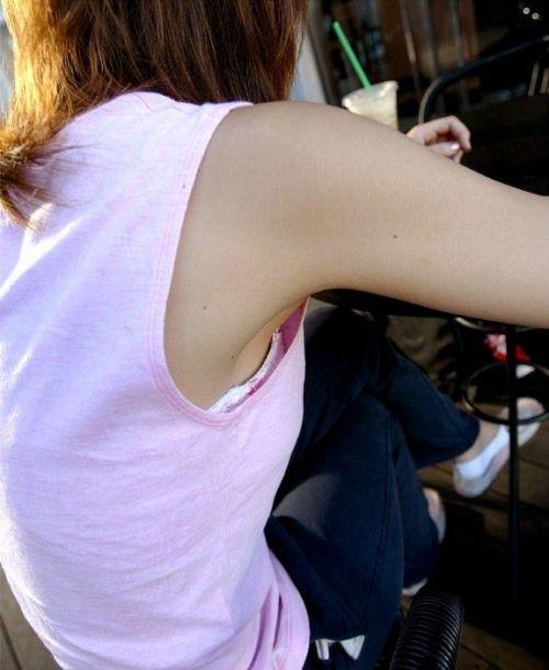 【エロ画像】胸元緩すぎなお姉さんの胸チラ盗撮したった 45枚 No.3