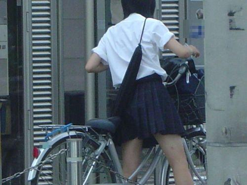 【盗撮】街中を歩いてたら自転車通学中のJKのパンチラ見えちゃったわwww 39枚 No.3