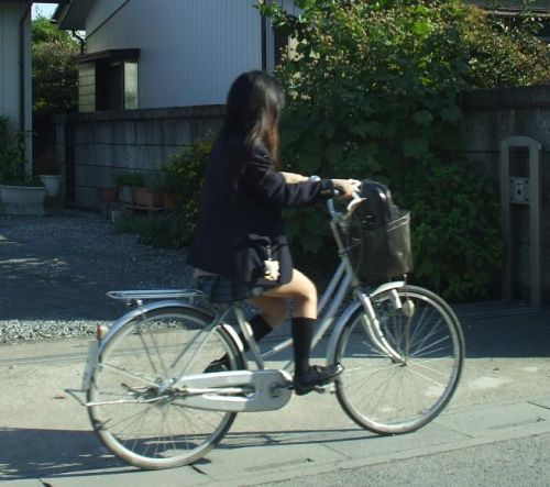【盗撮】街中を歩いてたら自転車通学中のJKのパンチラ見えちゃったわwww 39枚 No.7