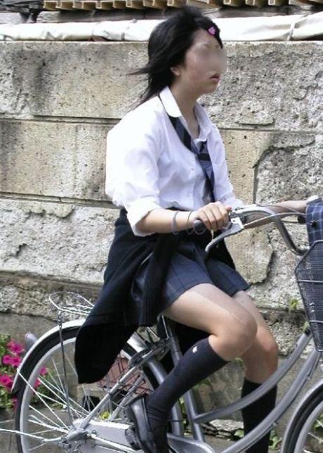 【盗撮】街中を歩いてたら自転車通学中のJKのパンチラ見えちゃったわwww 39枚 No.10