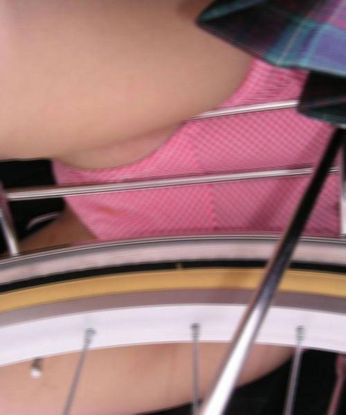 【盗撮】街中を歩いてたら自転車通学中のJKのパンチラ見えちゃったわwww 39枚 No.11