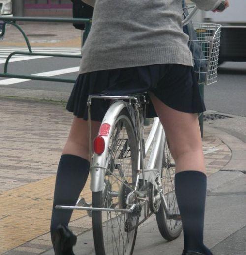 【盗撮】街中を歩いてたら自転車通学中のJKのパンチラ見えちゃったわwww 39枚 No.14