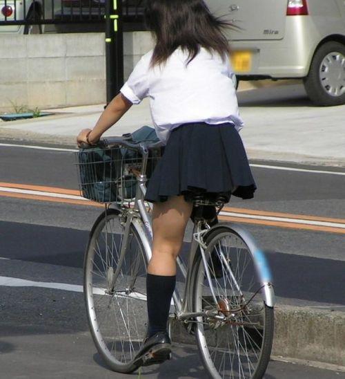 【盗撮】街中を歩いてたら自転車通学中のJKのパンチラ見えちゃったわwww 39枚 No.21