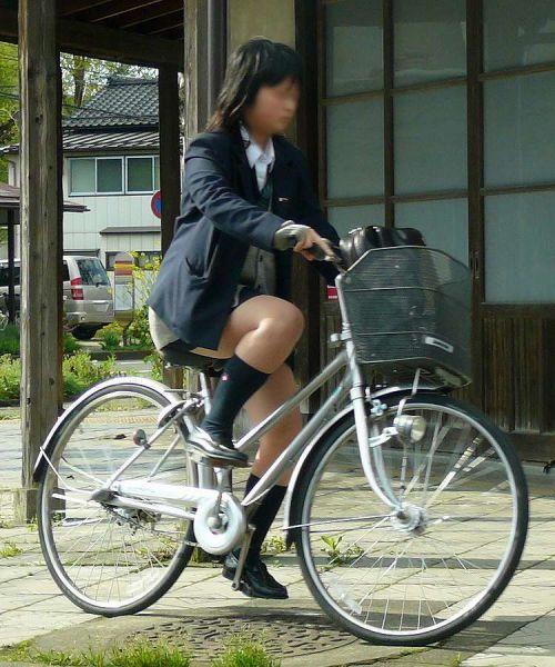 【盗撮】街中を歩いてたら自転車通学中のJKのパンチラ見えちゃったわwww 39枚 No.23