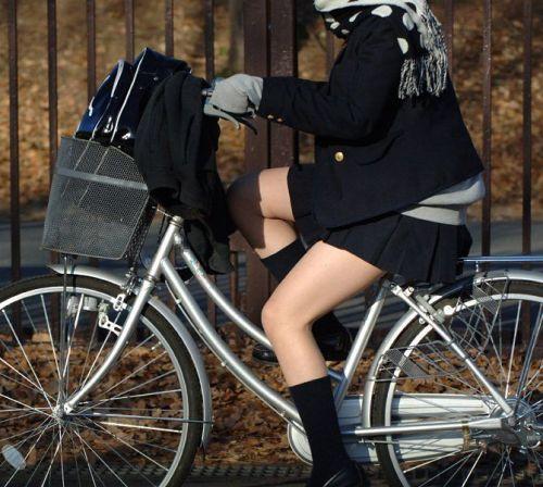 【盗撮】街中を歩いてたら自転車通学中のJKのパンチラ見えちゃったわwww 39枚 No.30