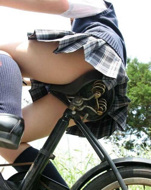【盗撮】街中を歩いてたら自転車通学中のJKのパンチラ見えちゃったわwww 39枚 No.32