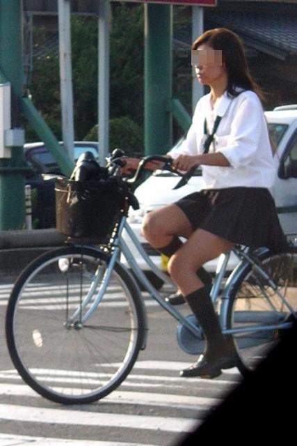 【盗撮】街中を歩いてたら自転車通学中のJKのパンチラ見えちゃったわwww 39枚 No.33