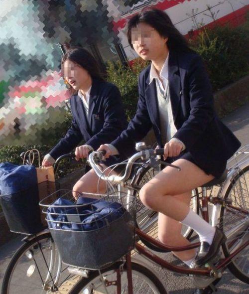 【盗撮】街中を歩いてたら自転車通学中のJKのパンチラ見えちゃったわwww 39枚 No.37