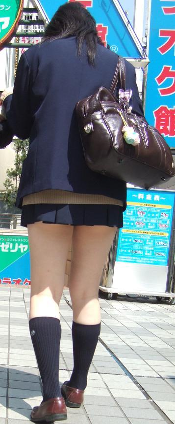 スラっとエロくて健康的なJKの美脚を盗撮したエロ画像! No.4