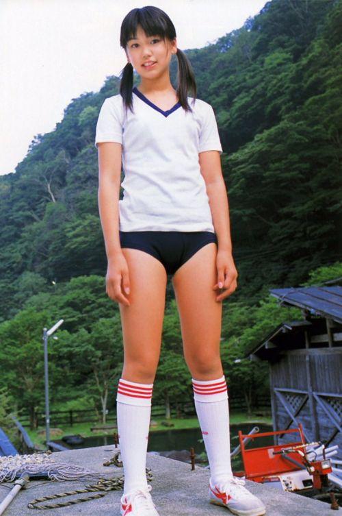 筋肉質でムチムチな部活JKがブルマを履いたエロ画像 No.28