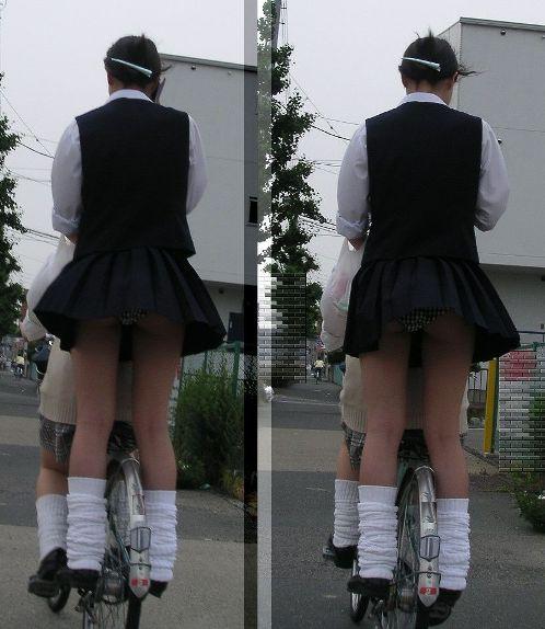 ミニスカJKが自転車に乗ってパンチラや美脚を見せつける盗撮画像 No.7