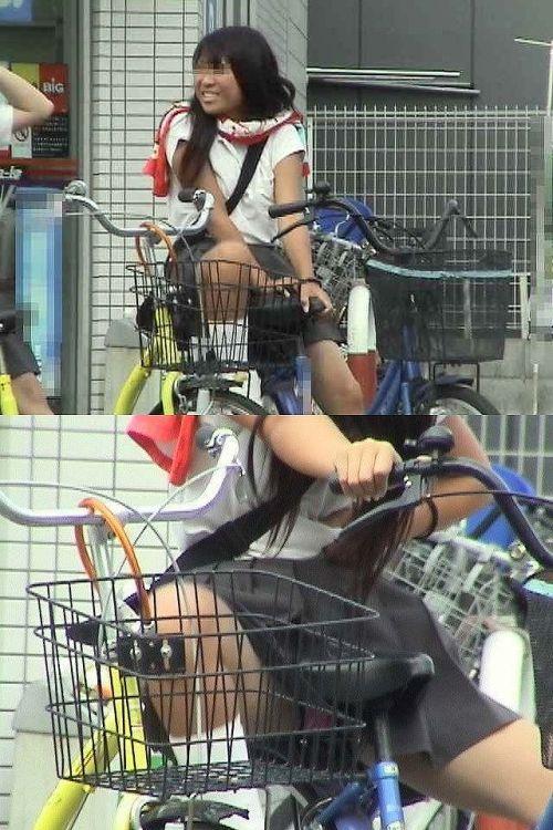 ミニスカJKが自転車に乗ってパンチラや美脚を見せつける盗撮画像 No.8