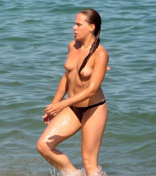 海外旅行で一度は行きたい地上の楽園ヌーディストビーチのエロ画像 No.14