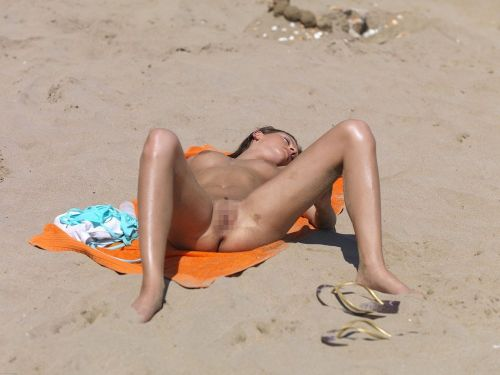 海外旅行で一度は行きたい地上の楽園ヌーディストビーチのエロ画像 No.28