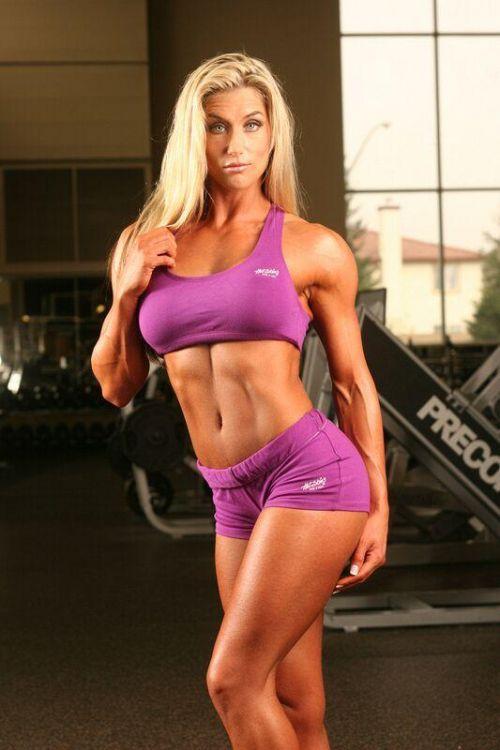 【画像】自分の筋肉の美しさを自撮りしちゃう外人女性達! 37枚 No.16
