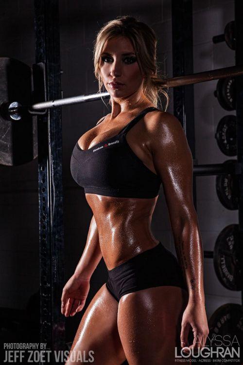 【画像】自分の筋肉の美しさを自撮りしちゃう外人女性達! 37枚 No.30