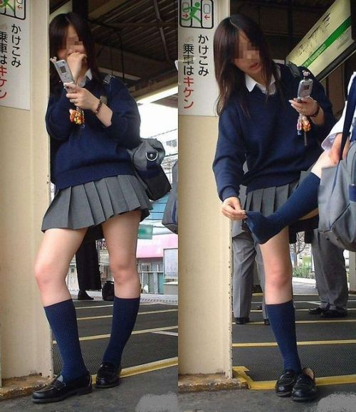 電車通学してるJKの油断した瞬間を激写した盗撮画像まとめ No.9